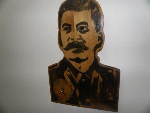 Сталин-дървен барилев с часовник за стена