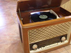 Radiogramo TESLA-MAESTO