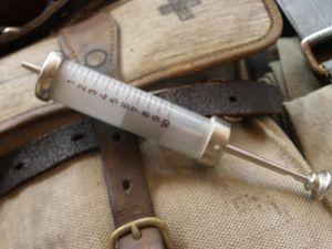 военна лекарска спринцовка-JENA GLAS 10 kub.