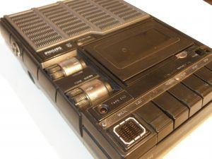PHILIPS- N2214-casette recorder