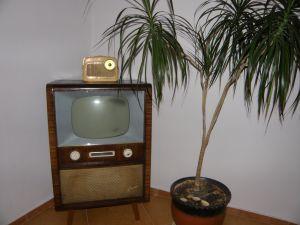 TV шкаф Форум, Rafena;Forum;Fernseher;RFT;DDR;Fernsehschrank