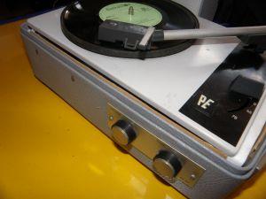 Gramofon PE 20,Perpetuum-Ebner (PE); St.Georgen    (D)