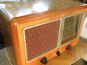 лампов радиоапарат ELTZ 740GW [Type1940]
