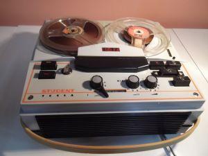 TESLA B47 -ролков магнетофон