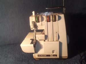 Оверлог машина SINGER 14U132