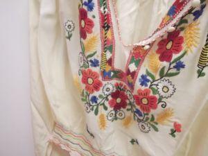 Уникална копринена дамска блуза ,ръчно везана