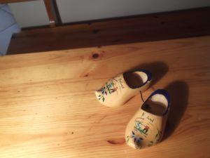 Дървено сабо -сувенир