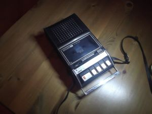 PANASONIC RQ 413S-Cassette-Recorder or -Player
