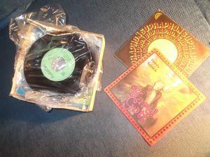 Малки стари грамофонни плочи /сингли/ по списък