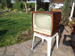 TV TESLA 4106U