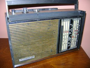 MERIDIAN 206 radio