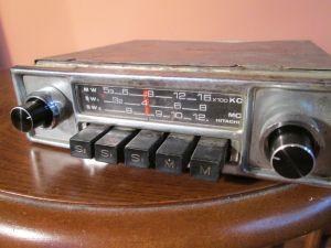 RETRO Car radio HITACHI