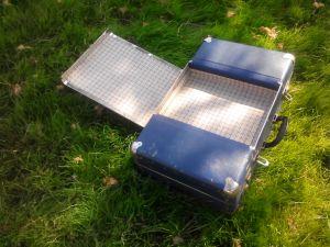 Картонен куфар с двоен капак за кизметични принадлежности
