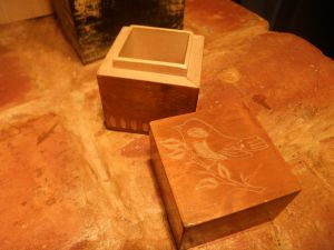 Дървена кутийка за бижута