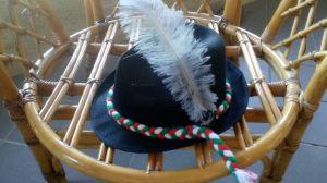 Оригинална баварска шапка с перо
