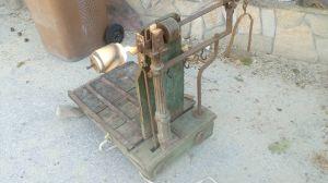 Стар дървен кантар за жито