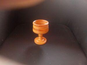 Дървена чаша
