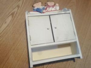 Дървено шкафче за ключове/за окачване на стена/