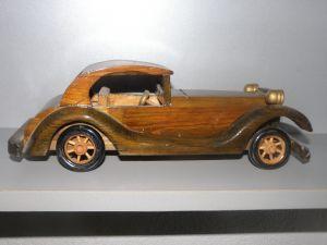 дървена играчка -автомобил