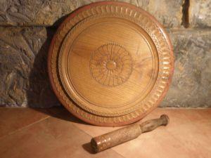 Дървен поднос -дърворезба
