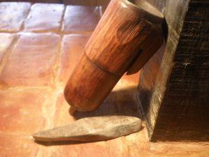 Дървен калъф за точило за коса