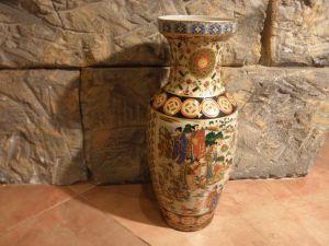 порцеланова ваза-височина 35см.