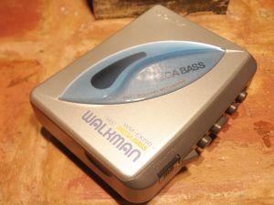 SONY-WM-EX190-WALKMAN-за прослушване на касетки.