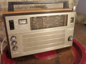 Tranzistor-radio SELENA B216